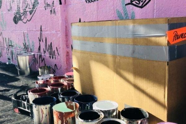 下塗りの使い分けは窯業系サイディングの状態や上塗りの種類で決まる