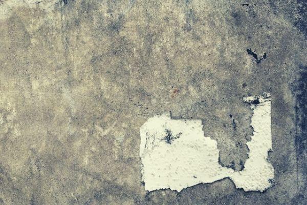 窯業系サイデイングは下塗り前の「下地処理」が重要