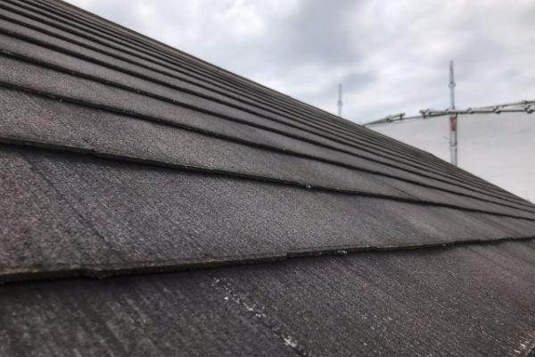 コロニアル屋根を修理する方法