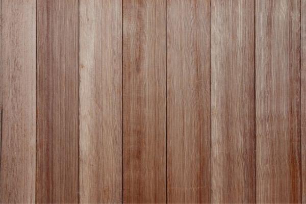 重ね貼りがおすすめ:木材の外壁