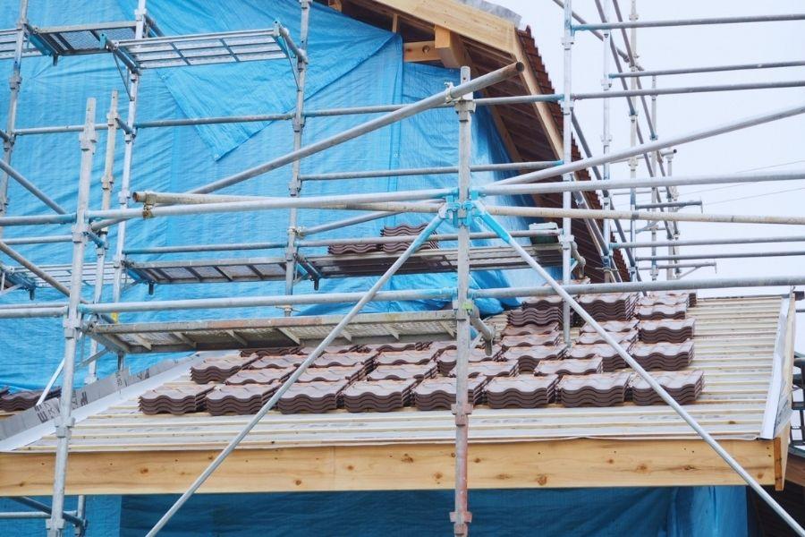 瓦屋根に使用する副資材の種類(瓦桟・防水シート)