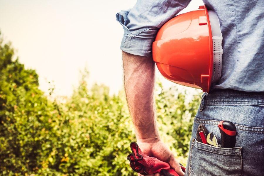 屋根の漆喰を自分で補修する場合は自己責任で